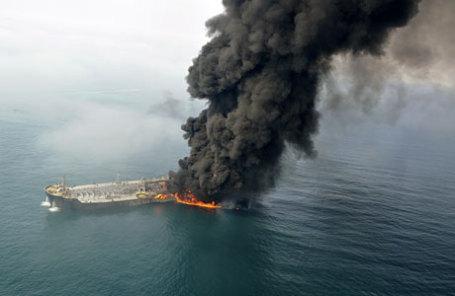 Пожар на русском танкере вКаспийском море потушен