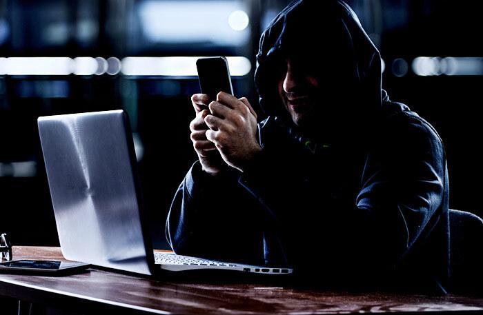 Когда похитили телефон, а вместе с ним — целую жизнь и банковское приложение в придачу