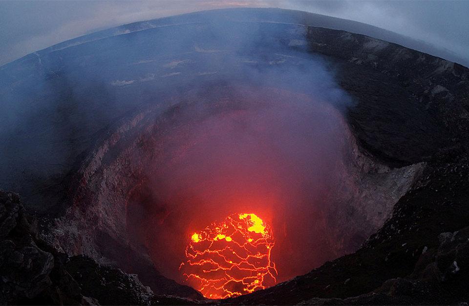 https://cdn.bfm.ru/gallery/width960/2018/05/14/volcano_6.jpg