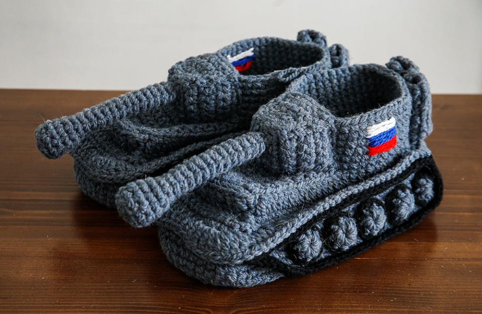 https://cdn.bfm.ru/gallery/width960/2019/02/23/2019-02-22t172031z_1107508837_rc16ba1d2660_rtrmadp_3_russia-army-day-tank-slippers.jpg