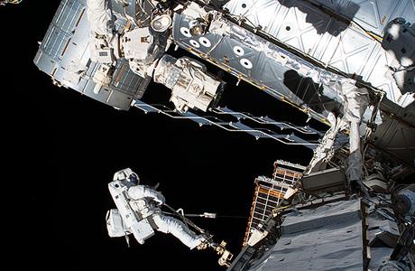 «Роскосмос» выходит на орбиту