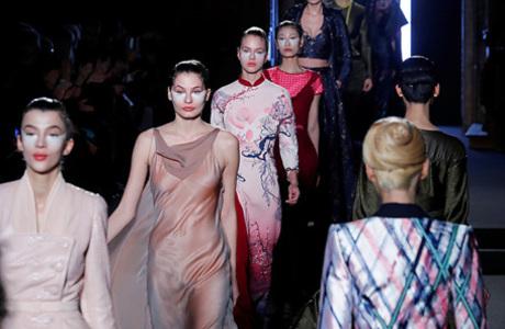 Без подиума. Модный Париж не простил Ульяне Сергеенко расистской шутки