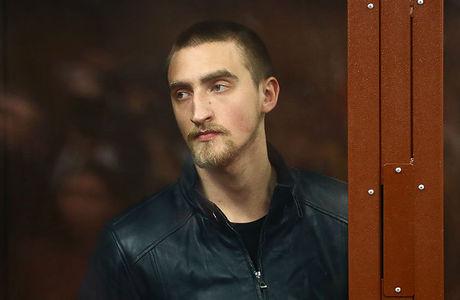 Павла Устинова приговорили к 3,5 года за «применение насилия» на акции 3 августа