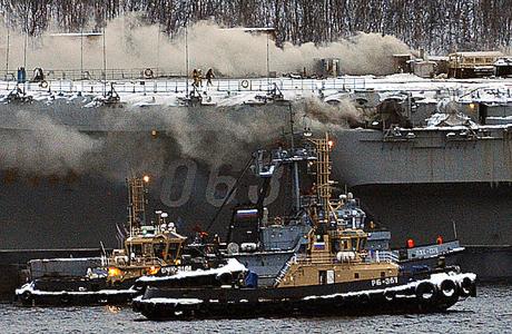 Возгорание на крейсере «Адмирал Кузнецов» удалось ликвидировать лишь спустя сутки