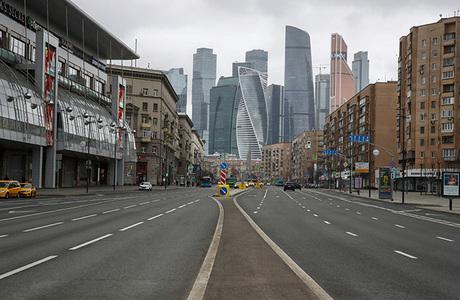 Власти Москвы заявили о технической готовности системы контроля для выхода на улицу