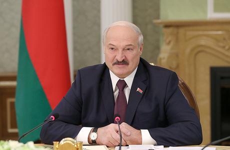 «Продемонстрировать уверенность в своем успехе на предстоящих выборах». Лукашенко отправил правительство в отставку