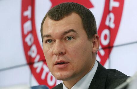 «Минирование» аэропорта и онлайн-митинг: как Хабаровск встретил нового врио губернатора