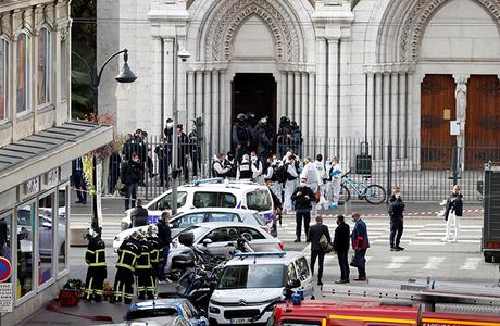 «Люди боятся, что в ближайшем будущем атаки повторятся». При нападении на собор в Ницце погибли три человека