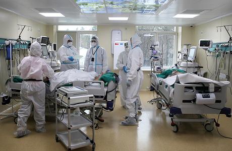 «Потолка роста не видно». В России новый антирекорд — более 27,5 тысячи случаев коронавируса