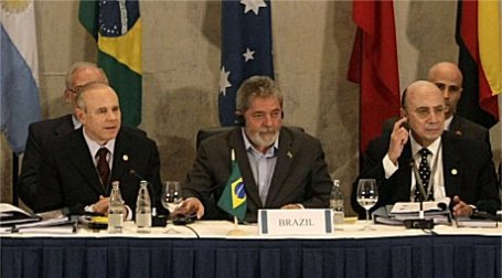 Министры в Сан Пауло. Фото Reuters
