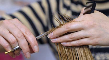 Волосы и ногти требуют ухода даже в кризис. Фото: ИТАР-ТАСС