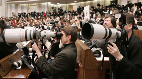 В условиях кризиса журналистам приходится быть осторожными. Фото: ИТАР-ТАСС