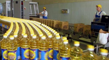 Производство подсолнечного масла на заводе группы компаний