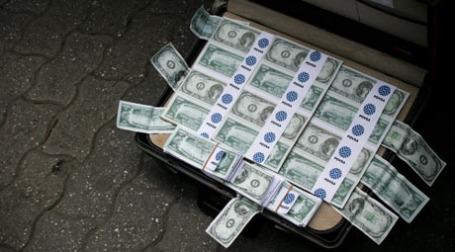 В Литве обнаружились около 20 миллионов бесхозных долларов. Фото: REUTERS