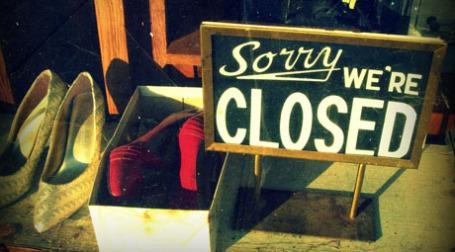 Магазин закрыт. Фото: bluecinderella/flickr.com