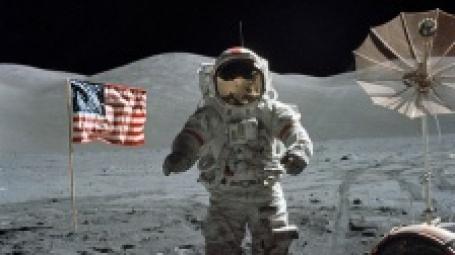 Американский астронавт на Луне. Фото: NASA