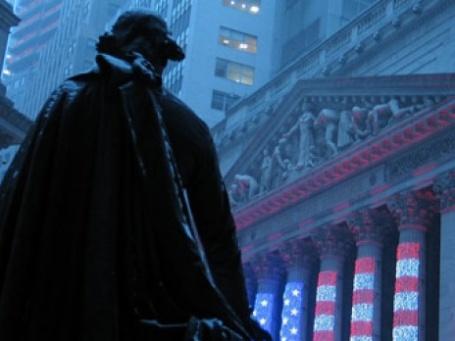 Памятник Дж. Вашингтону напротив здания Нью-Йоркской фондовой биржи. Фото: Mike Dumlao/flickr.com