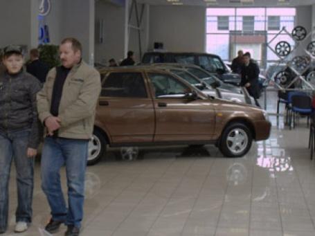 В кризис отечественные машины вышли в лидеры продаж. Фото: Александр Беленький/BFM.ru