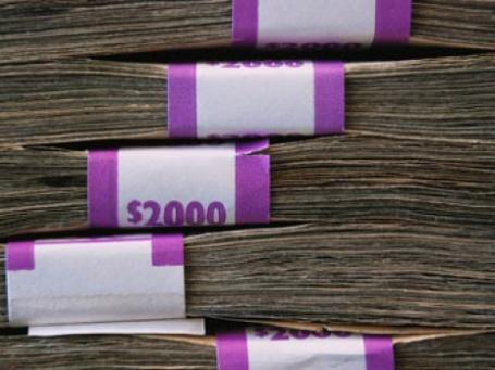 Различные схемы обналичивания позволяют снимать крупные суммы денег. Фото: Johnny Vulkan/flickr.com