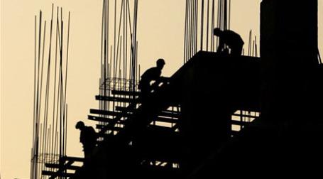 Застройщики склонны преувеличивать свои фактические затраты. Фото: AFP