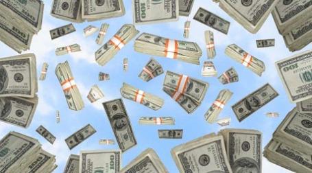 Падающие деньги. Фото:  gilus_pl/flickr.com