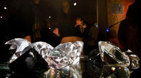Вторичный рынок драгоценных камней должен регулироваться рыночными отношениями. Фото: PhotoXPress