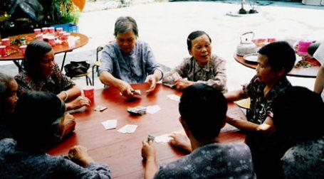 Игра в карты. Фото: athena./flickr.com