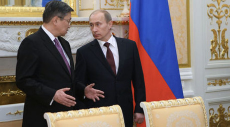 Санжийн Баяр и Владимир Путин на переговорах в Улан-Баторе. Фото: РИА Новости