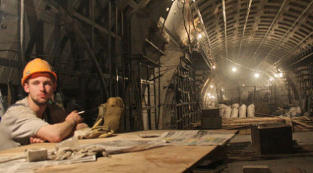 Завершение строительства новых станций метрополитена будет отложено. Фото: PhotoXPress