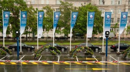 Площадка перед главным входом в Ленэкспо. Фото: Александр Беленький/BFM.ru