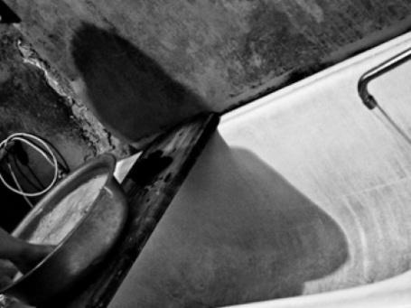 Ручная стирка в коммунальной квартире. Фото: Марина Верятинская/flickr.com