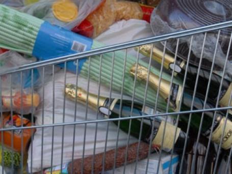 Тележка с продуктами. Фото: ИТАР-ТАСС