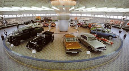 Ретро-автомобили в музее АЗЛК. Фото: РИА НОВОСТИ