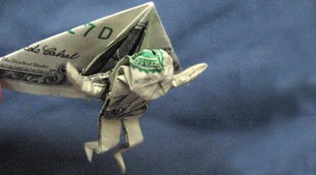 Доллар еще долго будет восприниматься как знак спасения. Фото: Jon Tucker/flickr.com