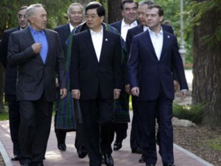 Дмитрий Медведев, Нурсултан Назарбаев и Ху Цзиньтао. Фото: РИА Новости