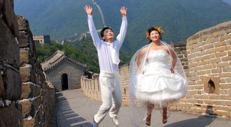 Молодожены на Великой стене. Фото: Today is a good day/flickr.com