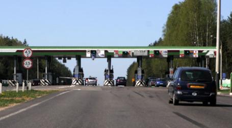 Между двумя столицами появится участкой платной дороги. Фото: Александр Беленький/BFM.ru