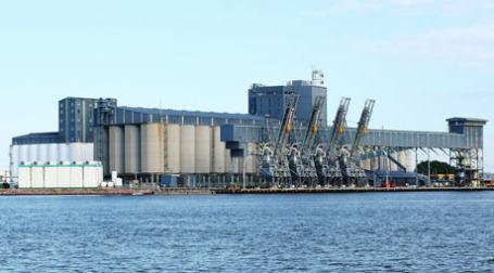 Зерновой терминал. Фото: ozinoh/flickr.com