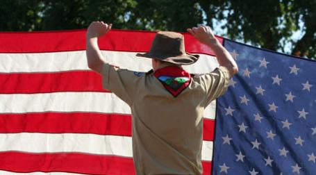 Мужчина с флагом. Фото: John-Morgan/flickr.com