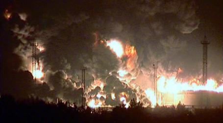 Пожар на нефтяном терминале в Югре. Фото: ИТАР-ТАСС