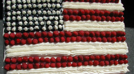 Торт с символикой американского флага. Фото: Chris and Jenny/flickr.com