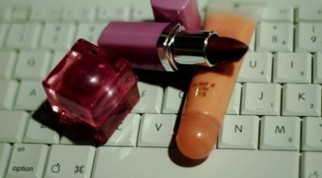 Блогеров заставят отчитываться об упоминаемых в записях брендах. Фото: penmachine/flickr.com