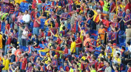 Посещаемость футбольных матчей только растет. Фото: AFP