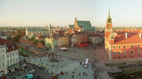 Площадь перед королевским дворцом в Варшаве. Фото: wikipedia.org