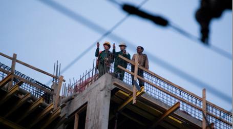 Российские стройкомпании не спешать вступать в СРО и страховать свою ответственность. Фото: makzer.livejournal.com
