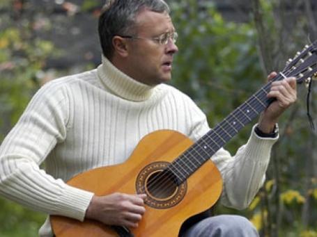 Александр Лебедев заговорил и запел «не очень взрослым» голосом. Фото: alebedev.ru