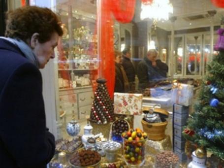 Европейцы сократят расходы на новогодние подарки. Фото: AFP