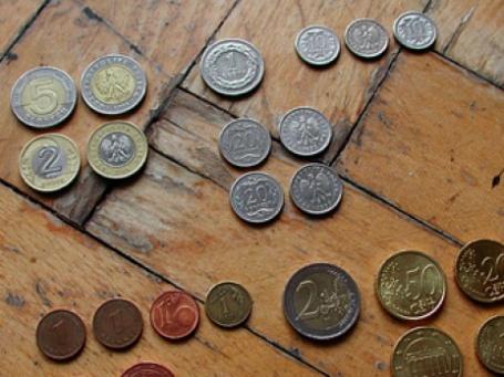 Стоимость евро на ММВБ утром 12 ноября упала ниже отметки в 43 рубля. Фото: schoschie/flickr.com