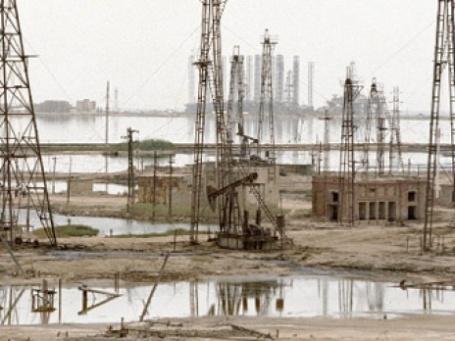Если на вашей земле забьет нефть, без реализуемого со скидкой бурового оборудования не обойтись. Фото: РИА Новости