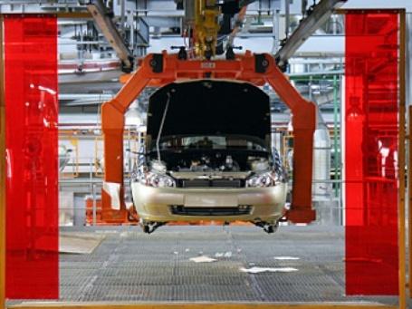 Ухудшение финансовых показателей АвтоВАЗ объясняет спадом производства и продаж своей продукции. Фото: РИА Новости